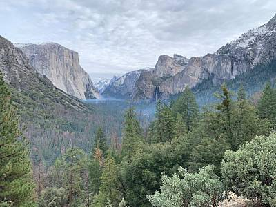 Photograph - Tunnel View by Jeff Quiros