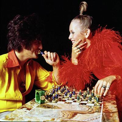 Twiggy And Justin De Villeneuve Play Chess, Vogue Art Print by Bert Stern