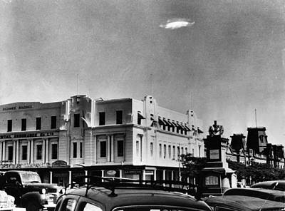 Ufo Sighting Art Print by Barney Wayne