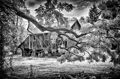 Photograph - Underground Railroad Barn - 1043 by Paul W Faust - Impressions of Light