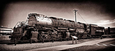 Photograph - Union Pacific Big Boy Profile by Paul W Faust - Impressions of Light