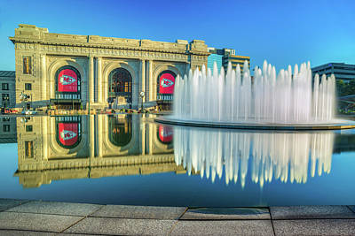 Photograph - Union Station - Kansas City Fountain - Kc Chiefs by Gregory Ballos