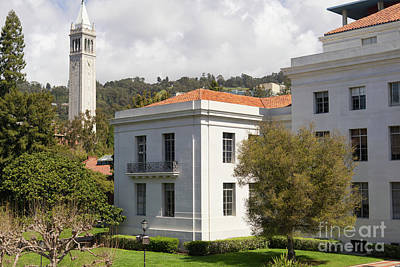 Photograph - University Of California At Berkeley Sproul Plaza And Sather Tower Campanile Dsc6923 by Wingsdomain Art and Photography