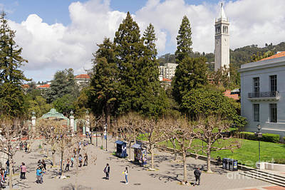 Photograph - University Of California At Berkeley Sproul Plaza Sather Gate And Sather Tower Campanile Dsc6224 by Wingsdomain Art and Photography