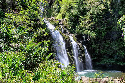 Photograph - Upper Waikani Falls by Dawn Richards