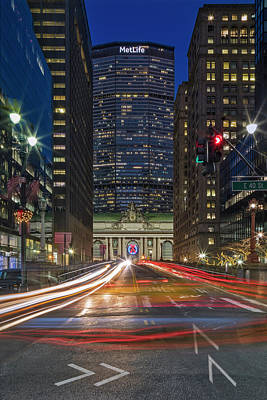 Photograph - Urban Nyc Gct Rush Hour by Susan Candelario
