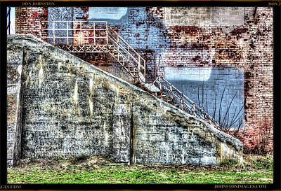 Photograph - Urban Wall in Toledo by Don Johnston