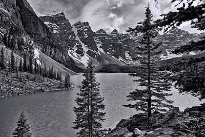 Photograph - Valley Of The Ten Peaks - B And W by Allen Beatty