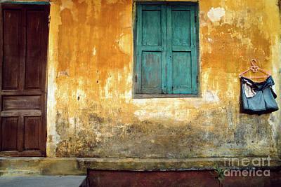 Photograph - Vietnamese Laundry Day by Silva Wischeropp