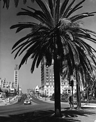 View Of Wilshire Boulevard, Los Angeles Art Print by R. Gates