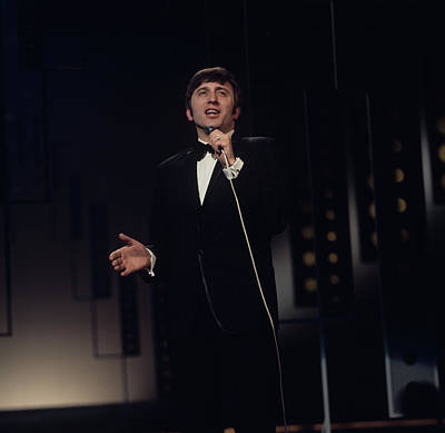 Photograph - Vince Hill Performs On Tv Show by David Redfern