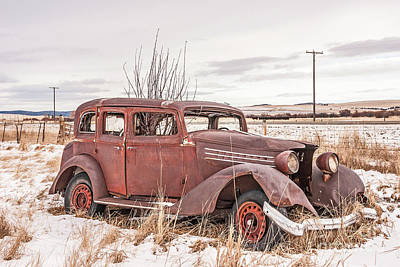 Photograph - Vintage Dilapidated Old Vehicle by Sue Smith