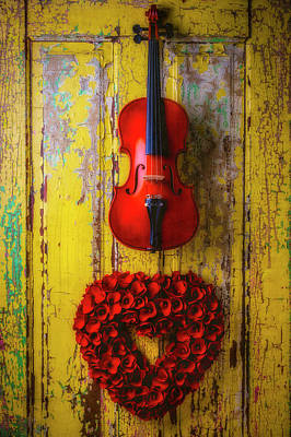 Photograph - Violin And Heart Wreath by Garry Gay