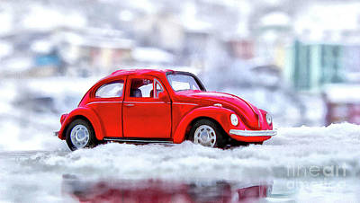 Mixed Media - Volkswagen In The Snow  by Elaine Manley