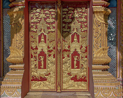 Photograph - Wat Ko Chok Phra Wihan Center Doors Dthcm2696 by Gerry Gantt