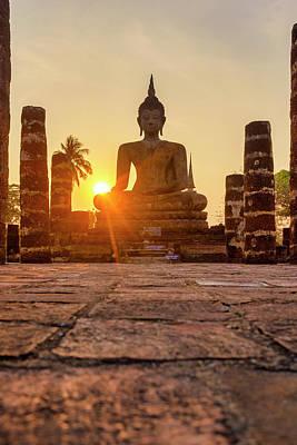 Photograph - Wat Mahathat by Fabrizio Troiani