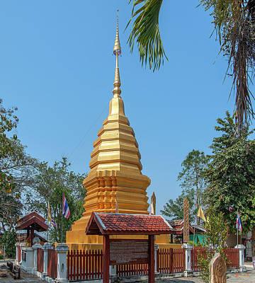 Photograph - Wat Pa Chai Mongkhon Phra Chedi Dthla0128 by Gerry Gantt