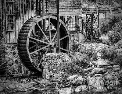 Photograph - Water Wheel In Georgia by Nick Zelinsky