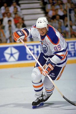 Photograph - Wayne Gretzky In Action by B Bennett