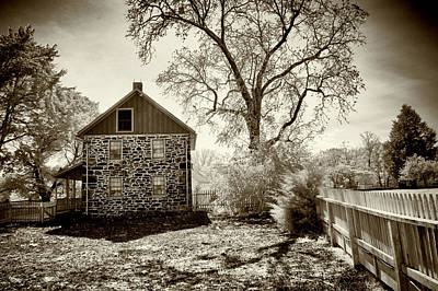 Photograph - Weikert House At Gettysburg by Paul W Faust - Impressions of Light