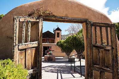 Photograph - Welcoming Gateway by Tom Cochran