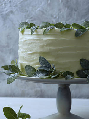 Photograph - White Cake W Sage Wreath by Iain Bagwell
