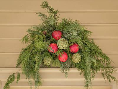 Photograph - Williamsburg Wreath 102 by Teresa Mucha