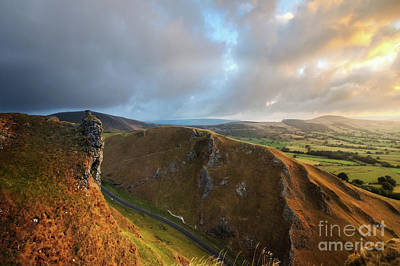 Photograph - Winnats Pass 11.0  by Yhun Suarez
