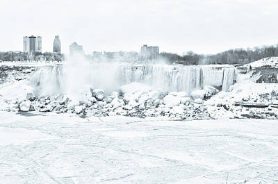 Photograph - Winter Wonderland At Niagara by Nick Mares
