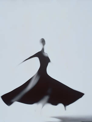 Photograph - Woman Dancing by Richard Seagraves