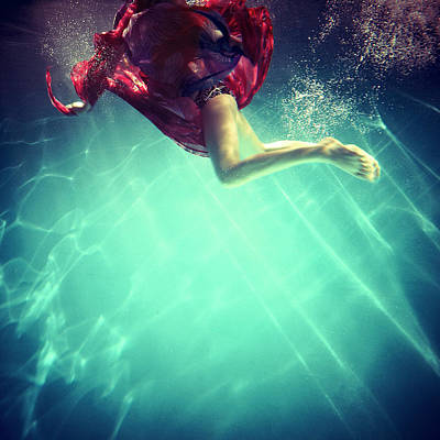 Photograph - Woman In Underwater by By Andre James(qin Shen) From China Beijing.