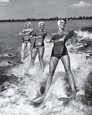Balance Photograph - Women Waterskiers In Line B&w by Hulton Archive