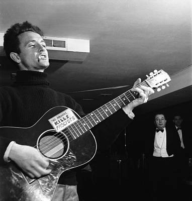 Photograph - Woody Guthrie Plays by Eric Schaal
