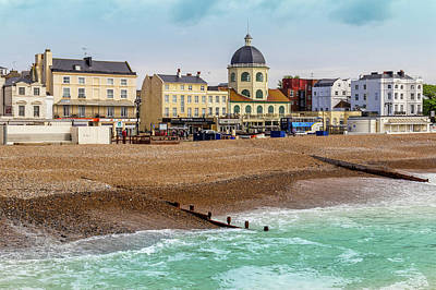 Wall Art - Photograph - Worthing Seafront by Roslyn Wilkins
