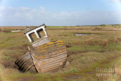Norfolk Wall Art - Painting - Wrecked by John Edwards