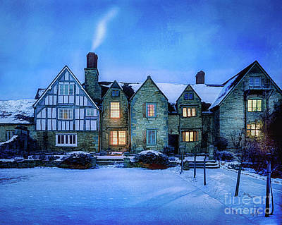 Photograph - Ye Olde Manor by Edmund Nagele