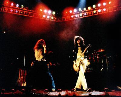 Photograph - Zeppelin At The Forum by Larry Hulst