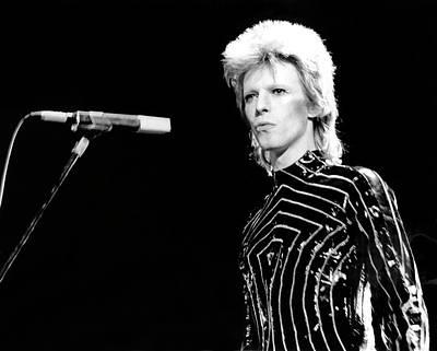 Ziggy Stardust Era Bowie In La Art Print by Michael Ochs Archives