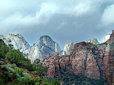 Photograph - Zion Np 39 by Jeff Brunton
