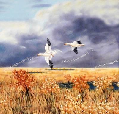 Animals Paintings - In Flight by Karen Tauber