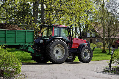 Olympic Sports - Tractor by Esko Lindell
