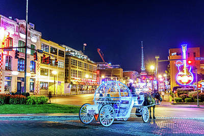 Catch Of The Day - 2017 Nashville Tennessee Broadway At Night by Dave Morgan