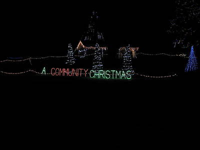 Photograph - A Community Christmas by Robert Worth