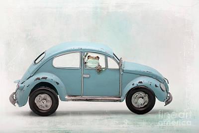 Pasta Al Dente - Amazon Milk FRog In VW Bug by Linda D Lester