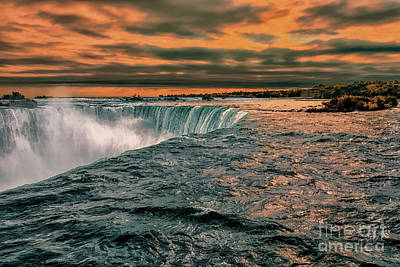 Animal Paintings David Stribbling - Angry Sunset Over Niagara Falls by Norman Gabitzsch