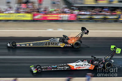 Everett Collection - Army vs Great Clips by Paul Quinn