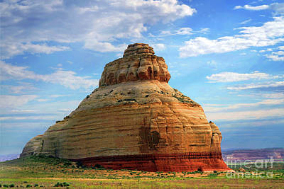 Classic Christmas Movies Royalty Free Images - Beehive Rock, south of Moab, Butte Royalty-Free Image by Wernher Krutein