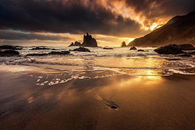 Patriotic Signs - Canarian island sunrise by Evgeni Dinev