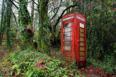 Photograph - Dartmeet Red Telephone Box Dartmoor by Helen Northcott