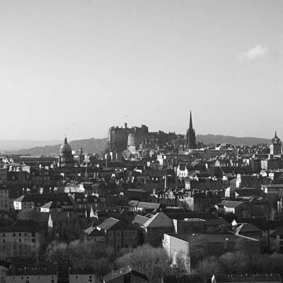 State Love Nancy Ingersoll - Edinburgh - Scotland V by Marcio Faustino